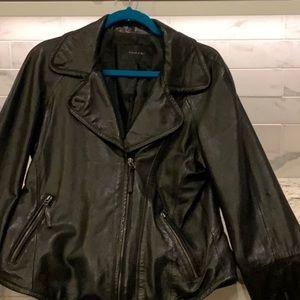 Tahari 100% Lamb black jacket size Large